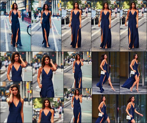 27/08/17 - Sara Sampaio  a été aperçue arrivant aux essayages de Victoria's Secret dans New York City. Sara était tout simplement canon, j'adore cette robe, c'est un vrai coup de coeur. Hâte de voir les tenues de Sara pour le prochain défilé.