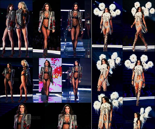 20/11/17 -  Sara Sampaio défilant pour la marque Victoria's Secret lors de son show annuel, Shanghai. On a vu la belle dans les sections Punk Anges et A Winter's Tale. Les tenues ne sont vraiment pas terribles voir même décevantes!