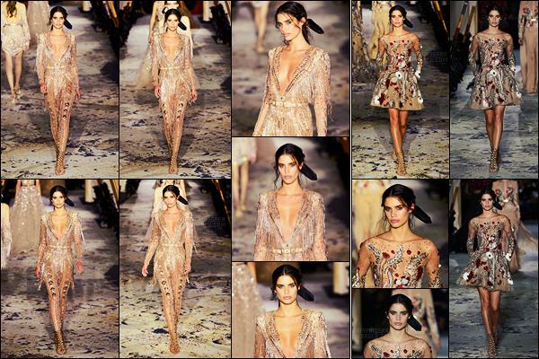 24/01/18 -  Toujours dans la même journée, notre Sara Sampaio a défilé pour Zuhair Murad dans - Paris. Sara a fait deux passages en robe, elles sont visibles ci-dessous. Je les trouve vraiment très belles toutes les deux, qu'en pensez-vous ?