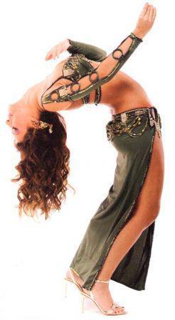 je vous fais découvrire ma passion et par la meme occasion la meilleure danseuse orientale a mes yeux