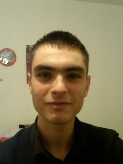 Nicoolas,16 ans,Dans un goouffre profond x3'