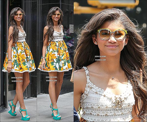 . 17/07/2013 : Zendaya a été vu quittant un immeuble dans New-York. .