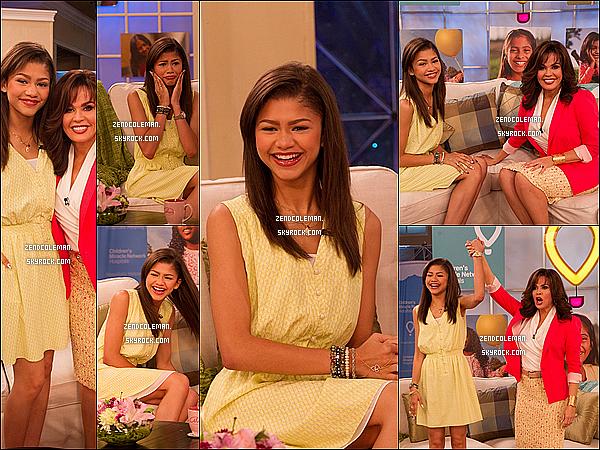 . 12/06/2013 : C'est toute souriante et toute jolie que Zendaya était au Marie Osmond Show à L.A .