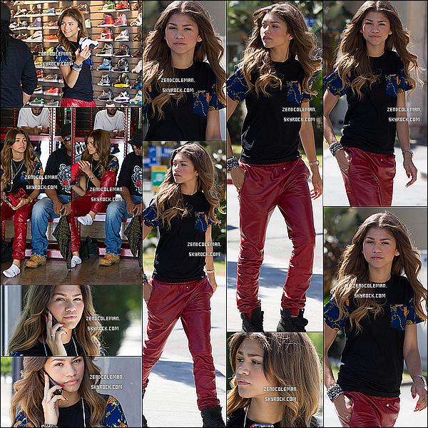 . 22/09/2013 : Zendaya a été aperçu faisant du shopping à Los Angeles. Côté tenue j'aime beaucoup son haut ainsi que son pantalon,mais je trouve que sa tenue serait parfaite avec des converses! .