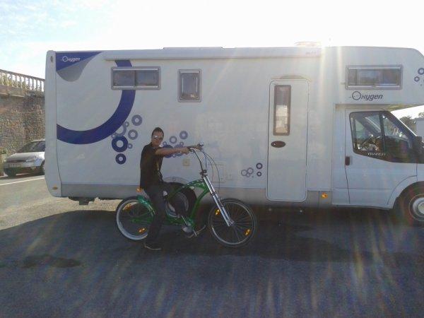 moi avec mon camping car en normandie super week