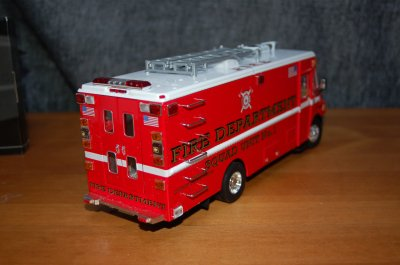 Code 3 PC Freighliner 1/32