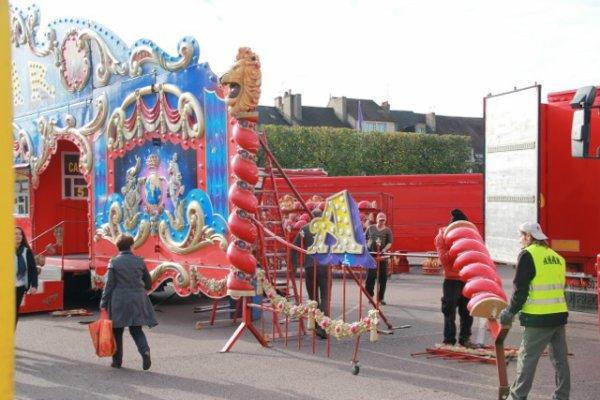 Arrivée du cirque Amar a Autun (semaine du cirque). 1