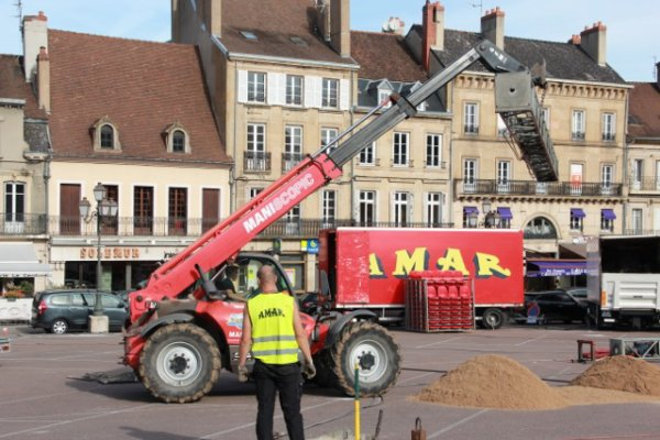 Arrivée du cirque Amar a Autun (semaine du cirque). 2