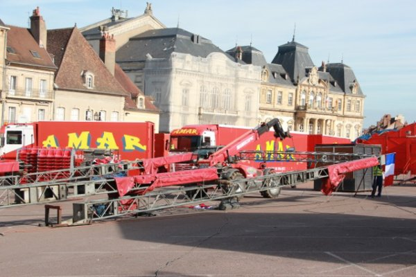 Arrivée du cirque Amar a Autun (semaine du cirque). 3