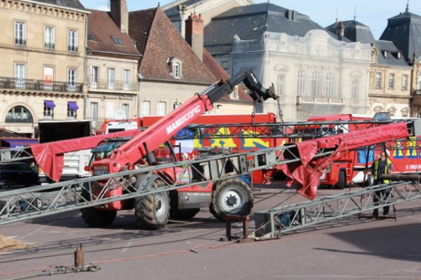 Arrivée du cirque Amar a Autun (semaine du cirque). 4