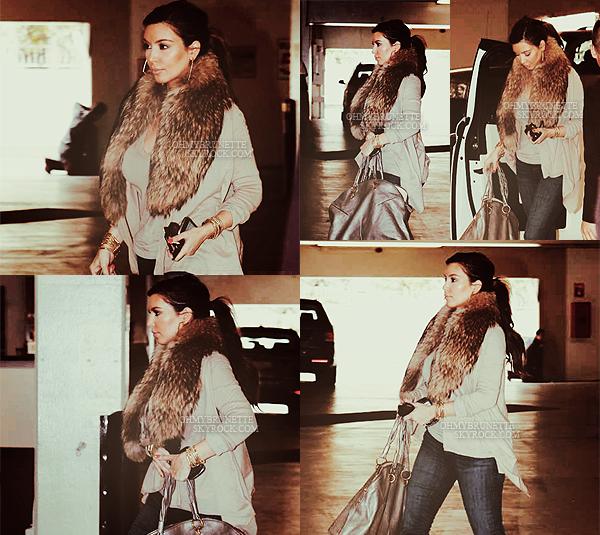 » Article 10 : Posté le 15/02/2012 | Candids + Magazine Kim Kardashian