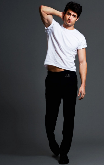 NEW!! PHOTOSHOOT James Lafferty for Just Jared!!