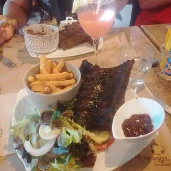 Petit restaurant St agulft au 39
