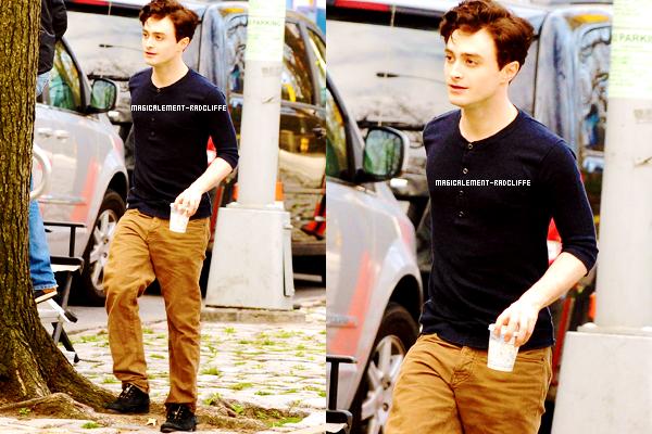 """20/03/12 : Nouvelles photos de Daniel sur le tournage de """"Kill Your Darlings"""""""