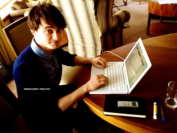 18/05/12 : Daniel répondait à des questions via Twitter