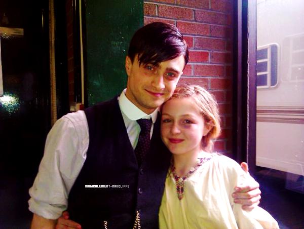 """Première photo de Daniel sur le tournage de """"A Young Doctor's Notebook"""""""