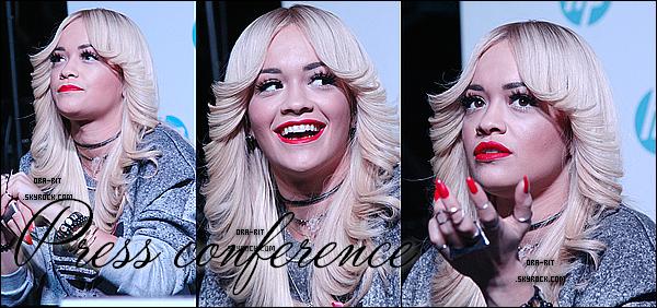 • 27 OCTOBRE 2014 - CONFERENCE, PERFORMANCE & CANDIDS - MOSCOU Rita s'est rendue à une conférence de presse dans la journée de lundi. Elle à ensuite réalisé un show privé. Pour finir, Rita a été aperçue quittant le lieu du show pour se rendre à son hôtel.