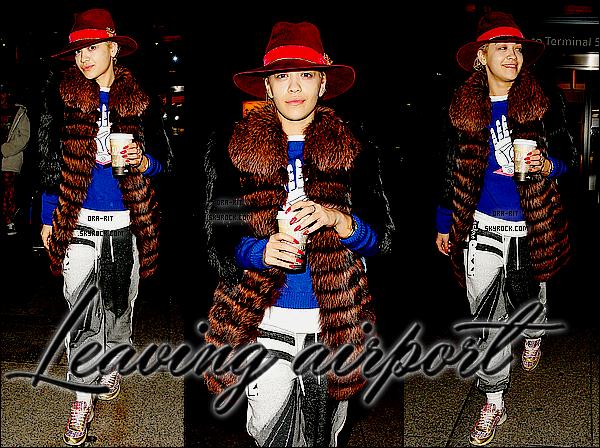 • 28, 30 OCTOBRE 2014 - CANDIDS - LONDRES Voici un nouveau cliché du shoot réalisé pour Cosmopolitan. Rita, le 28 octobre, a été aperçue quittant l'aéroport Heathrow de Londres.  Le 30 octobre, Rita a été vue quittant sa demeure le soir.