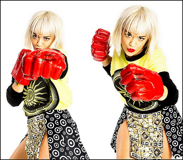 • 22 DECEMBRE 2014 - PHOTOSHOOT Découvrez un photoshoot qu'a réaliser Rita lors de l'événement Kiis Fm Jingle Ball 2014.