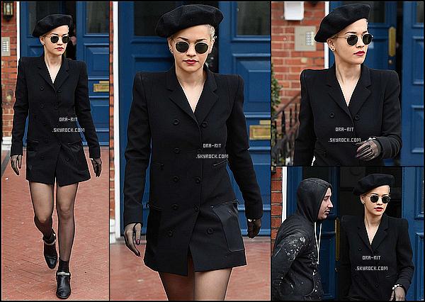 *29/03/15 - Rita est sortie dans Londres. Rita enchaîne les sacrés tops ces derniers temps! La voici plus élégante que jamais, quelle classe ! On adore !*