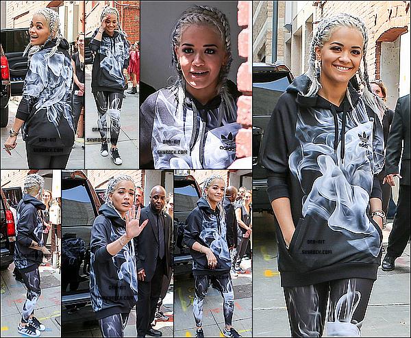 *09/05/15 - Rita a été vue se rendant à Pacsun à Santa Monica pour le lancement de la collection Adidas. Malgré une coiffure assez particulière, je trouve que Rita est simplement magnifique ici. La collection Adidas est vraiment jolie. *
