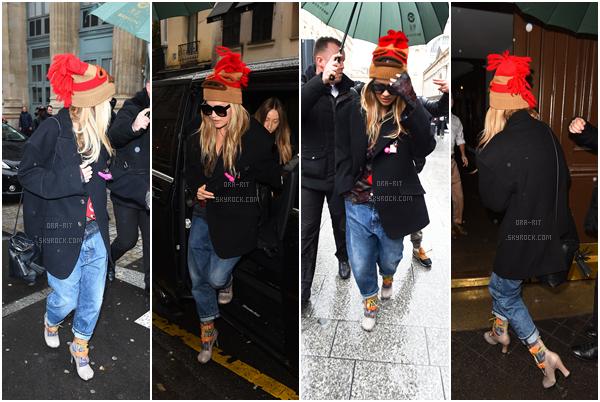 *04/03/17 - Rita a été vue arrivant à Gare du Nord à Paris. Tenue plutôt particulière, encore une fois, mais bon nous sommes habitués. Cependant, j'aime bien son jean boyfriend.  *