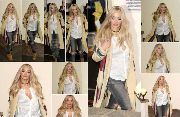 *22/11/15 - Rita a été vue quittant les studios d'X Factor à Londres. Rita est vraiment sublime ici. Je trouve que sur certaines photos, elle ressemble même à Beyoncé. La tenue est simple mais elle lui va très bien. TOP!**