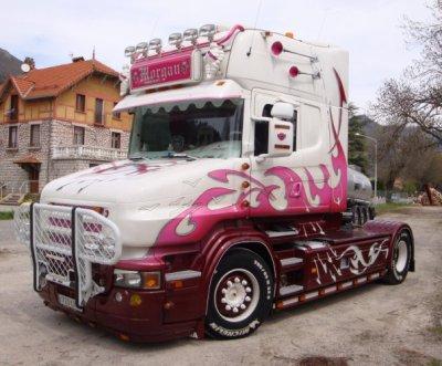 Un clin d'oeil à patrick qui n'a plus ce magnifique camion nos croisettes de nuit et appel de phare à 1km me manque...
