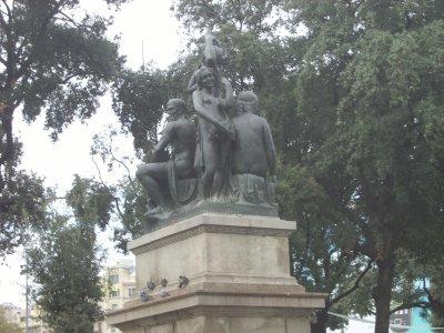 statue a barcelone
