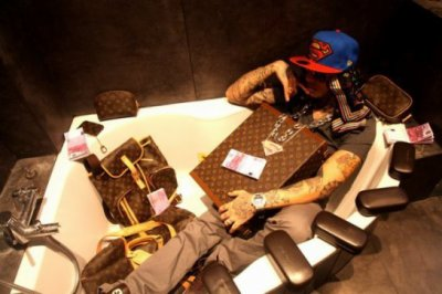 SwAgG-MaN En Mode Louis Vuitton