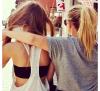 L'amour est éphémère comme une étoile filante Alors que l'amitié est une étoile qui brille à jamais.