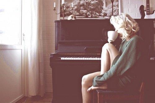 Je dois t'oublier, je dois t'oublier, je dois t'oublier, je dois t'oublier.... Je t'aime bordel .