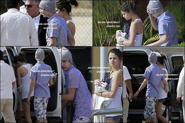 _ 03 janvier : Selena à une station essence.Top ou Flop ? _