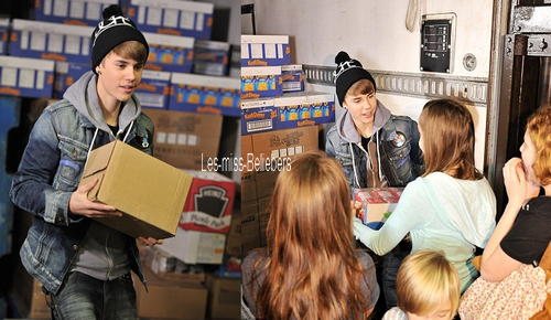 Justin à A Home for the Holidays + Visite d'une banque alimentaire