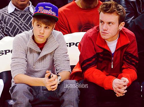 Justin à un match de basket à Toronto