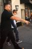 Justin sortant d'un studio d'enregistrement