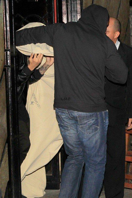Justin vu à la sortie d'une maison close à Rio de Janeiro