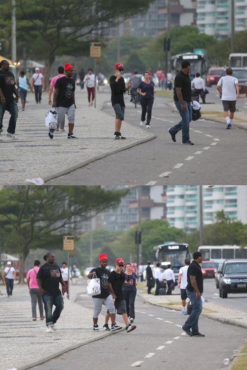 Justin dans les rues de Rio de Janeiro