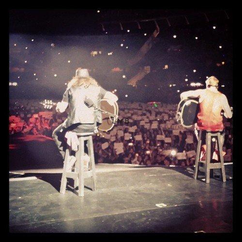 Photos et vidéos diverses de Justin + Photo postée sur Instagram