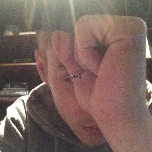 Photos diverses de Justin + Photos postées sur Shots of me et vidéo postée sur Viddy + 2ème extrait du film Believe