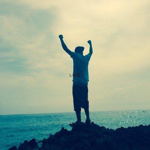 Photos postées par Justin sur Instagram et vidéo sur Viddy