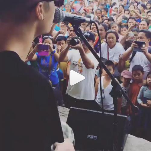 Photos et vidéos postées par Justin sur Instagram et Viddy