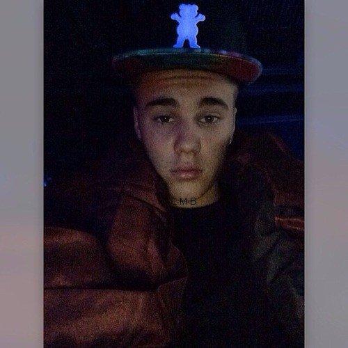 Photos postées par Justin sur Shots of me et Instagram