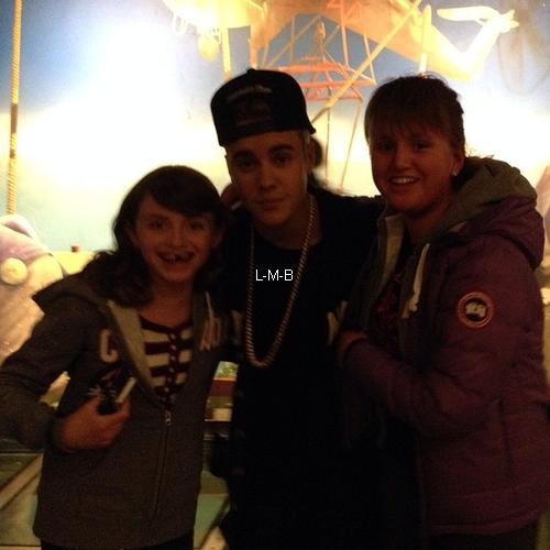 Photos et vidéo de Justin (suite) + Photos postées sur Instagram et Shots of me
