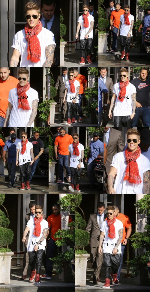 Justin avec les fans devant son hôtel