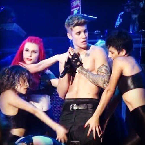Photos et vidéos de Justin (suite) + Photo postée sur Shots of me