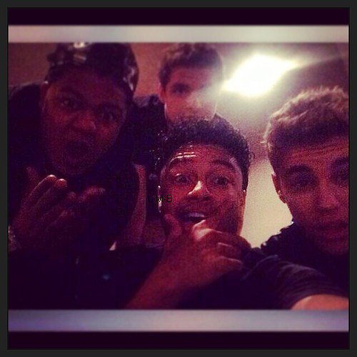 Photos de Justin (suite) + Chanson Looking for you de Justin ft Migos