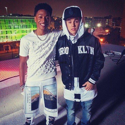 Photos et vidéos de de Justin