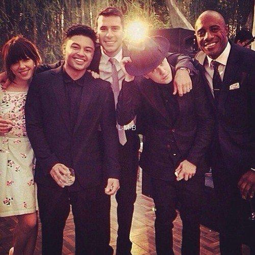 Photos et vidéo de Justin + Photoset vidéo postées sur Instagram