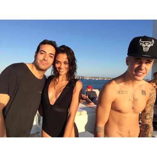 Photos de Justin + Photos postées sur Instagram et Shots of me